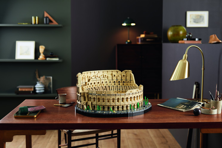 This LEGO Roman Colosseum Set Is the Largest Ever With 9,036 Pieces