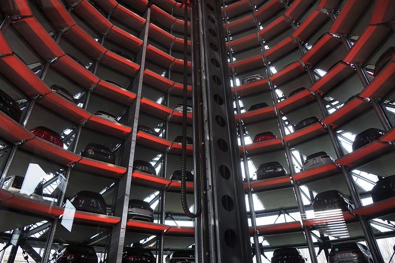 strange elevators autostadt