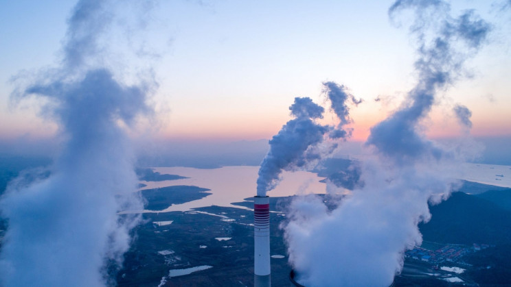 The CO2 Shortage Is Still On. Here's Why It Could Lead to Empty Shelves.