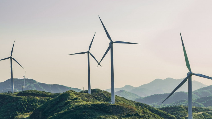 Study Shows Windmills Might Work Better Behind Hills