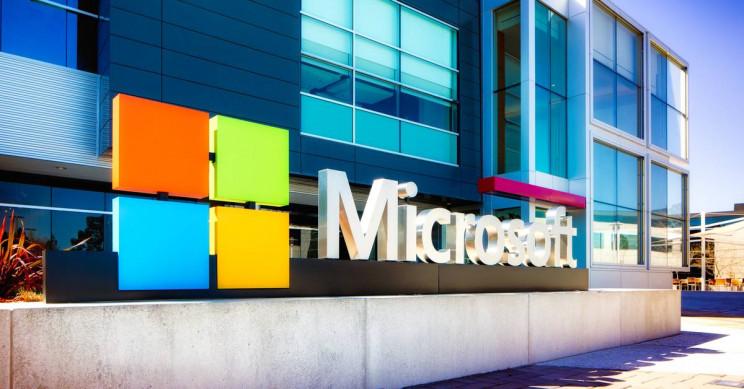 Microsoft Beats Amazon to Win $10 Billion Pentagon Defense Contract