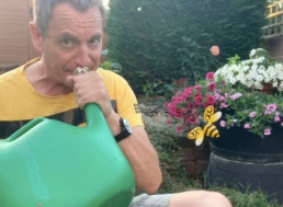 Trombonist Interprets 'Flight of the Bumblebee' with A Watering Can