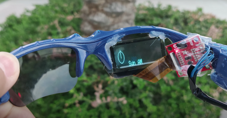 16-Year-Old Builds World's First Transparent 'OLED' Smart Glasses