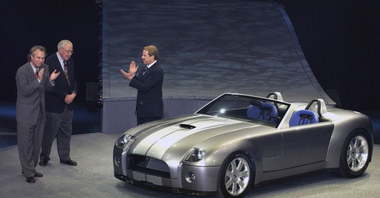 2004 Ford Shelby Cobra concept car J Mays Carroll Shelby William Clay Ford Jr. neg CN336541-044