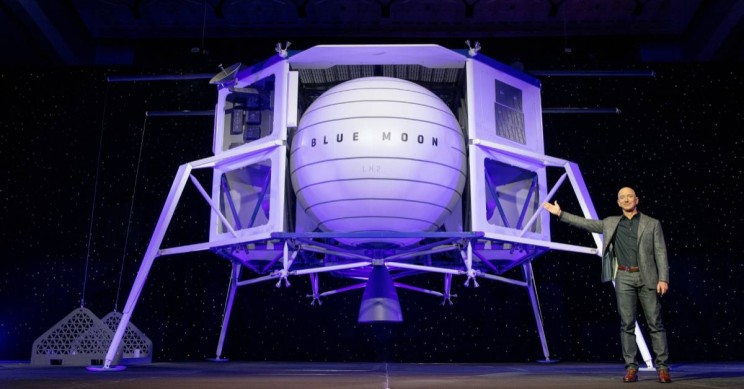Jeff Bezos Unveils Blue Moon, Blue Origin's New Lunar Lander