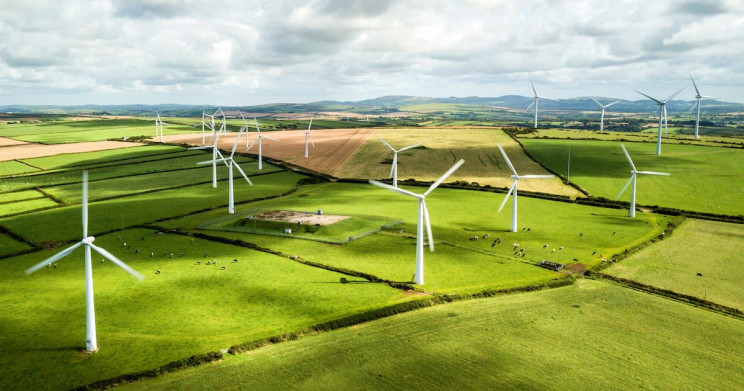Renewable Energy Overtakes Fossil Fuels in the UK for the First Time Ever