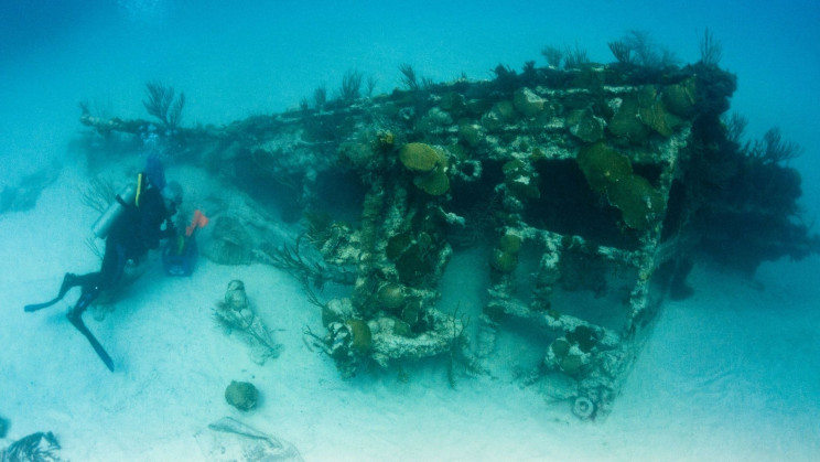 AI Spots Shipwrecks from the Ocean Surface and the Air