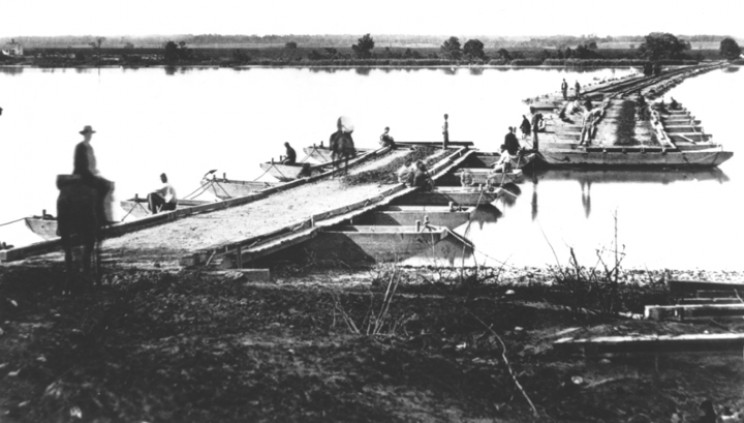 Pontoon bridge across the James River 1864