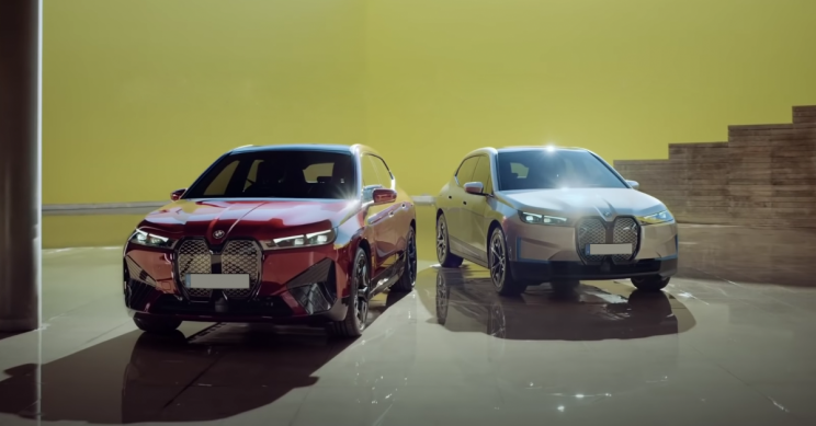 BMW Creates Promotional Campaign From iX Criticisms, Roasts Users
