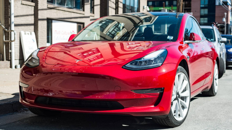 Why Does Tesla Sell an Intentionally-Shoddy Model 3 Build In Canada?