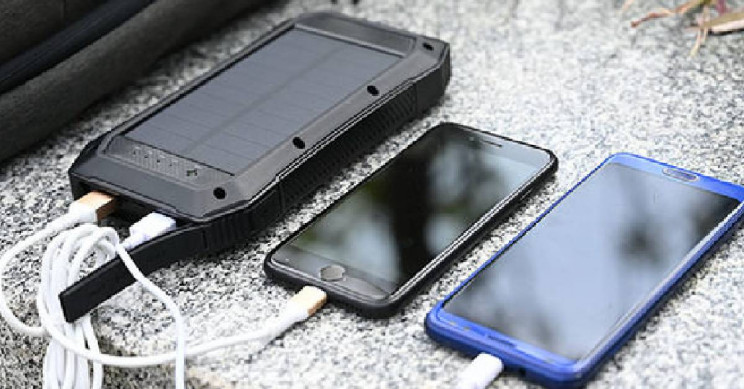 This Solar-Powered Wireless Phone Charger Powers Up to 3 Devices at Once