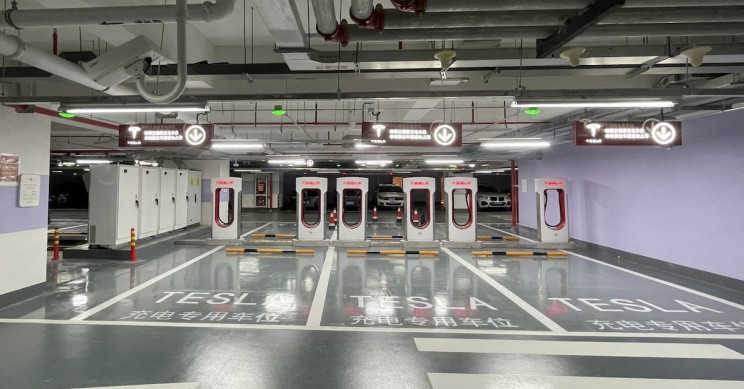 World's Largest Tesla Supercharger Station with 72 Stalls Opened in Shanghai
