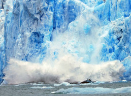 Scary Video Shows Greenland Melting Glaciers Turned into A Charging River