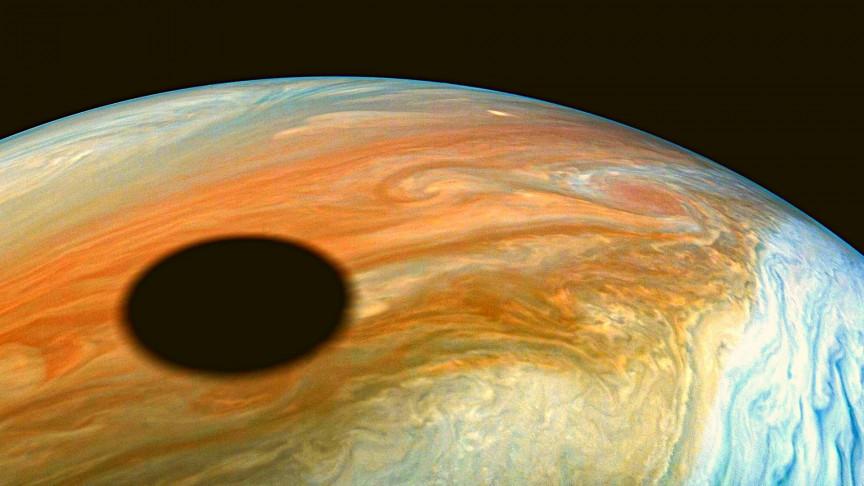 Something Enormous Just Slammed Into Jupiter - Interesting Engineering
