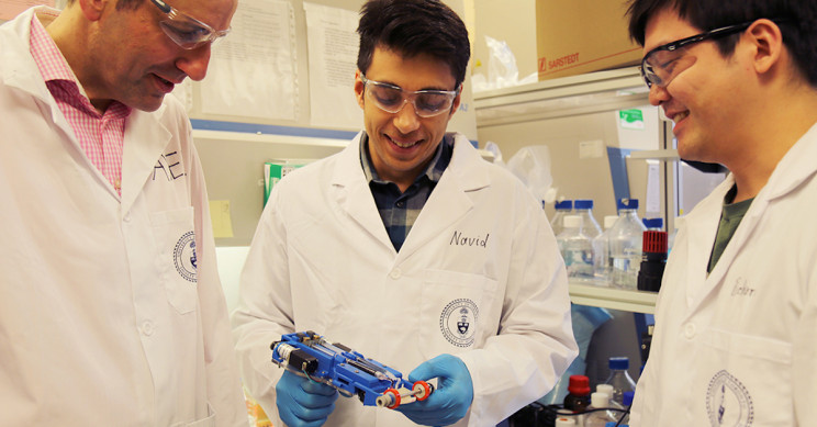 """Handheld Device """"Prints"""" New Skin onto Serious Burn Victims"""