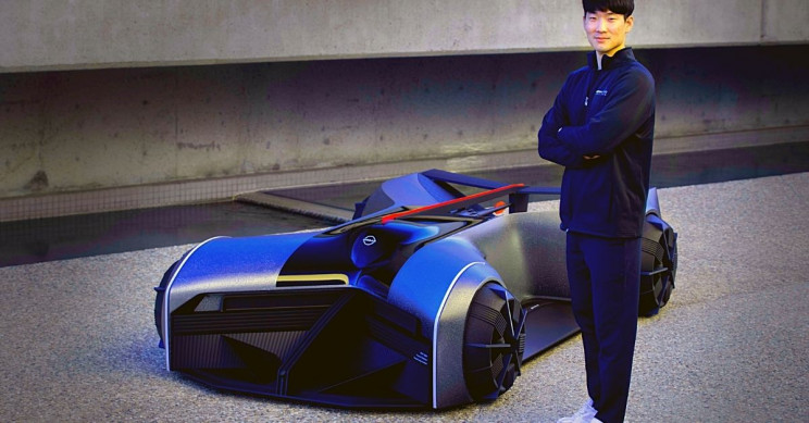 Nissan Debuts Mind-Controlled, Belly-Surfing GTR-X 2050 Concept Car