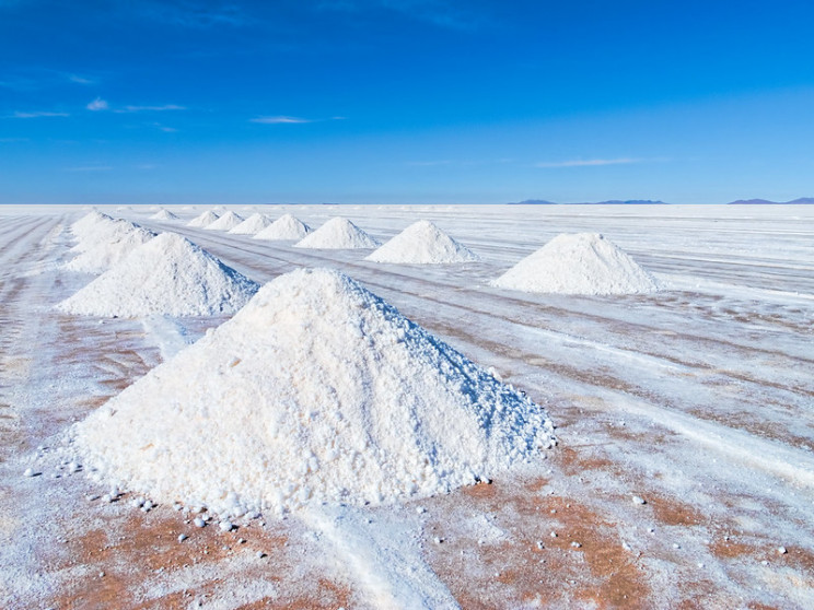 lithium evaporation pond in bolivia