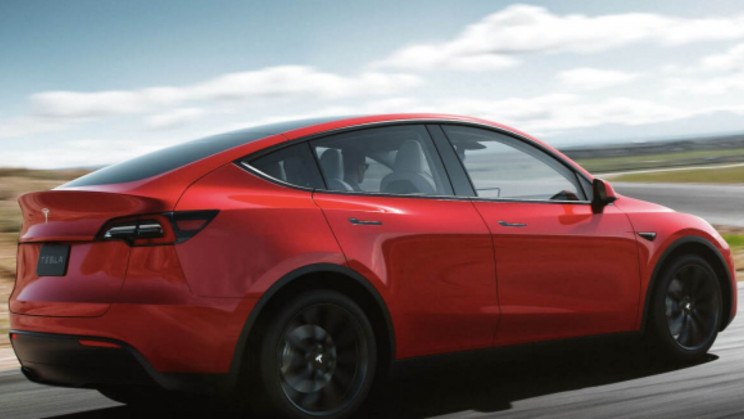 A New 'Hyper Hybrid' Tesla From Germany Cuts Carbon Emissions. With Methanol?