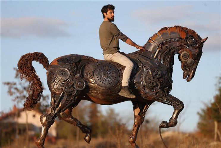 metal sculptures horse