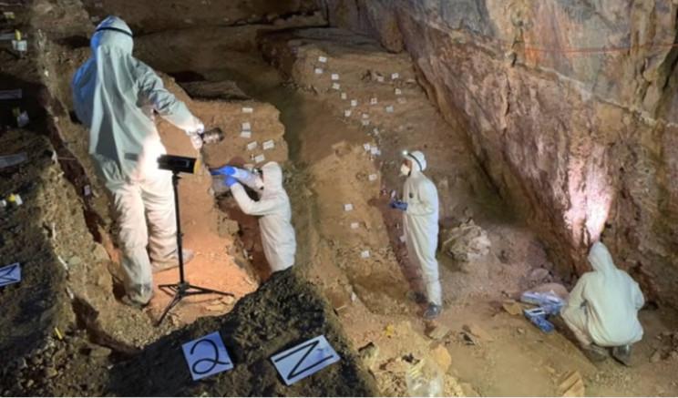Scientists in Chiquihuite Cave