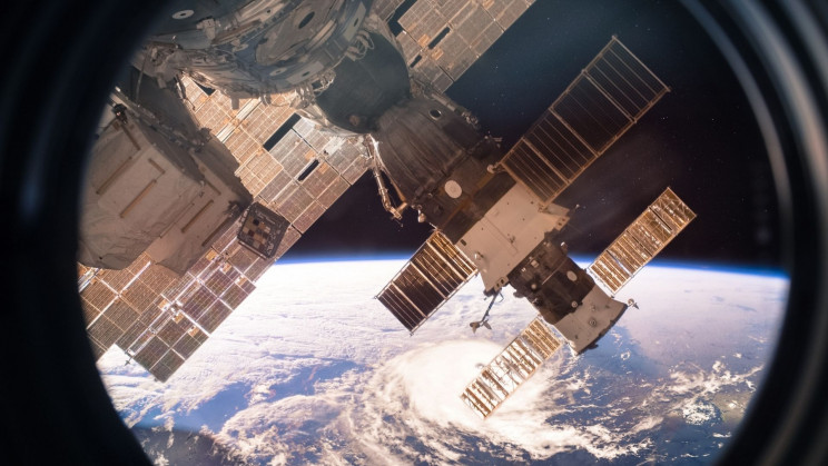 """New Cracks on the International Space Station Could """"Spread Over Time"""""""