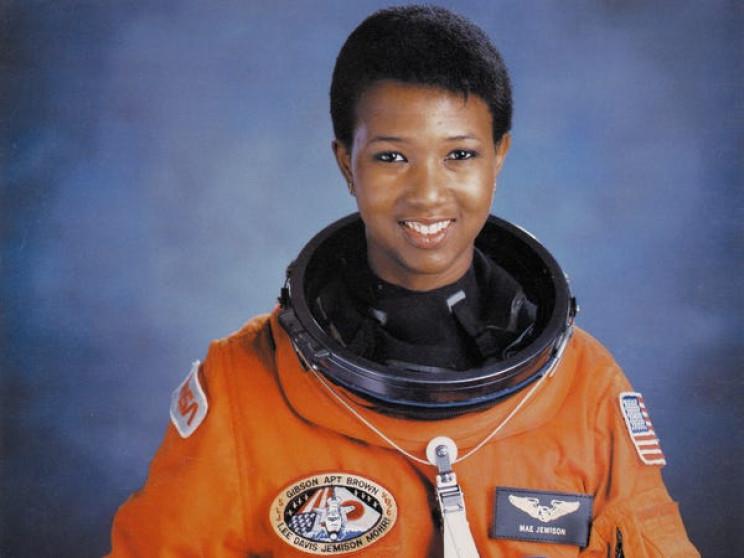 Mae Jemison's official astronaut portrait