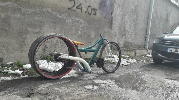 High School Students Build Bicycles Out of Car Tires and Scraps