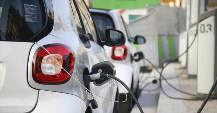 All Petrol Stations in Germany Will Now Be Required to Offer Electric Car Charging