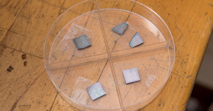 Scientists Develop New Record Setting Transistor For Wireless Devices
