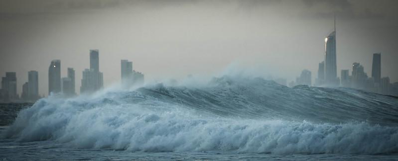 why are tsunami so destructive