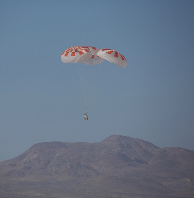SpaceX Parachute Test Goes Wrong, It Could Push Back the Crewed Flight Date