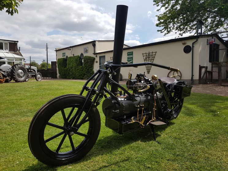 This Coal-Fired Steam Motorbike Built by Technician Is a Steampunk Dream