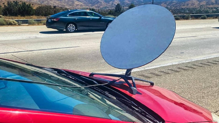 Driver Mounts Starlink Dish to His Hood, Gets Ticket From Police