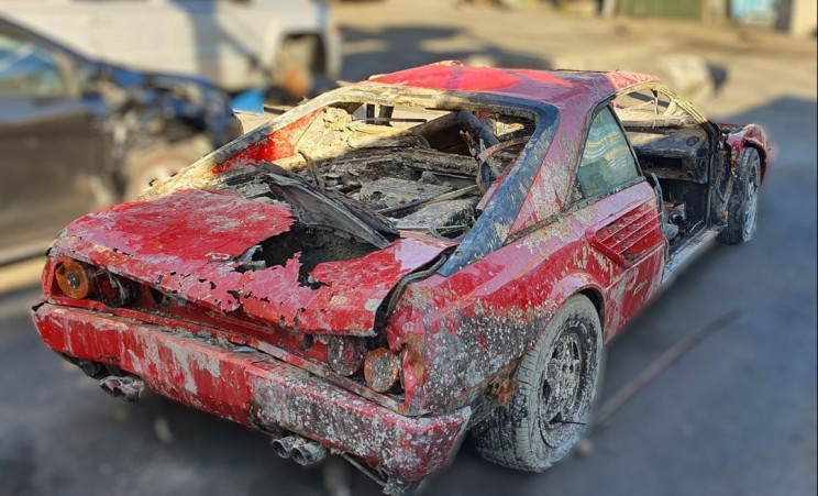 Drowned 26-Year-Old Ferrari Mondial Brought Back to Surface in Amsterdam