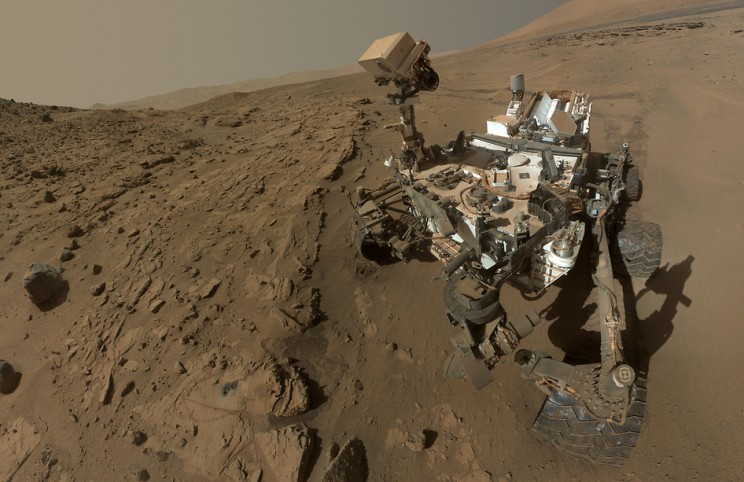 https://www.nasa.gov/sites/default/files/thumbnails/image/yir2014-curiosity-portrait-crop.jpg