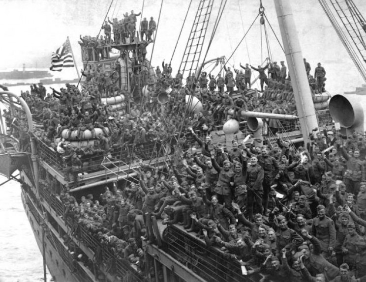 WWI troops returning home