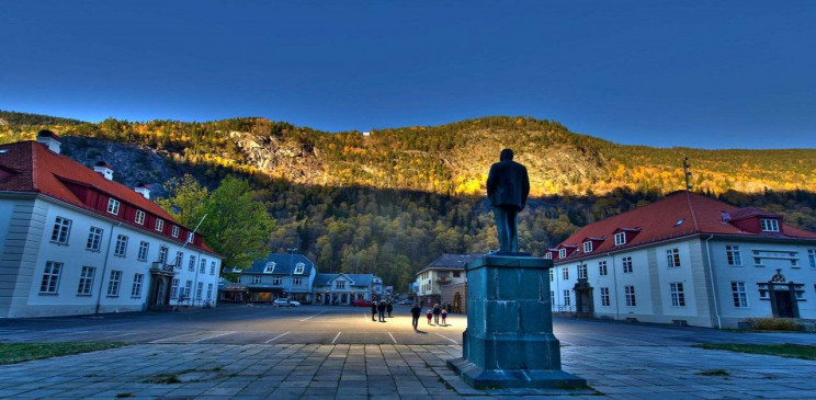 The Norwegian Town that Gets its Light from Giant Mirrors