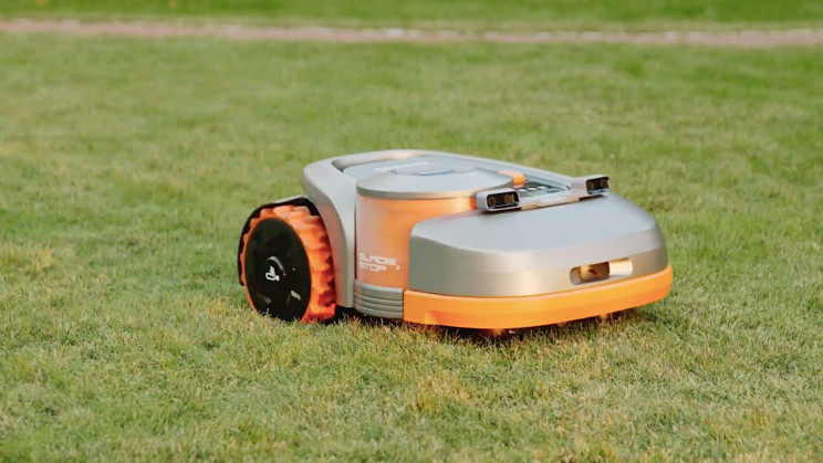 A New Autonomous Lawn Mower Can Navigate With GPS