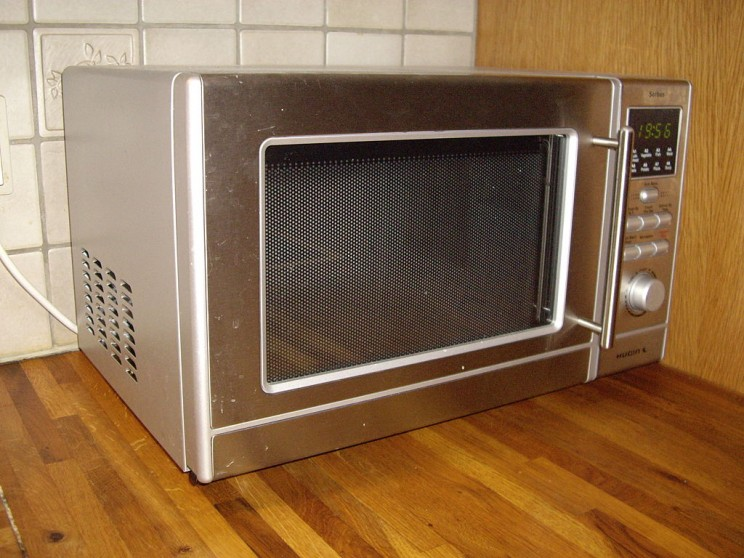 Energy Efficient Cooking with Microwave Oven