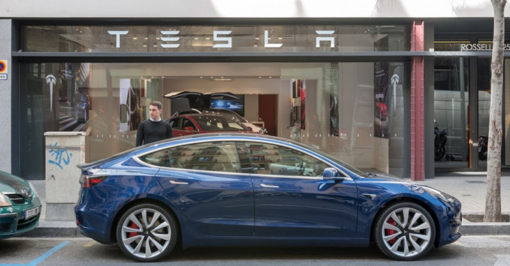 Tesla Delivers a Record 367,500 Vehicles in 2019
