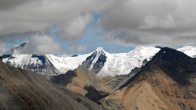 Scientists Discover 28 Novel Viruses in 15,000-Year-Old Glacier Ice