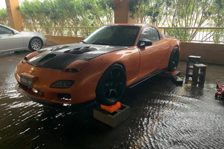 Mississippi Hero Rescues Stranger's Mazda RX-7 From a Flood
