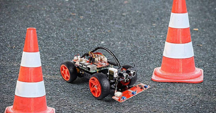 A Raspberry Pi-Based Robot Car That Will Unleash Your Child's Inventor Skills