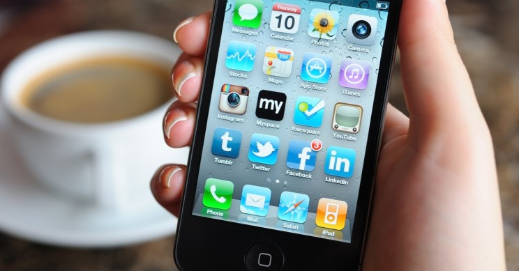 New Study Shows Social Media Use by Adults Has Psychological Benefits
