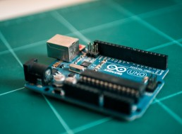 This Arduino Starter Kit and Course Bundle Is 85% Off Today