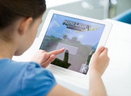 Facebook Researchers Turn to Minecraft to Develop AI System that Can Handle Multiple Tasks
