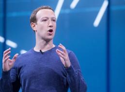 Facebook to Hire 10,000 People to Build Zuckerberg's 'Metaverse'