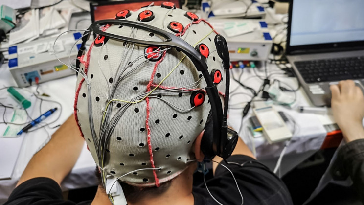 US Army Funds 'Sleeping Cap' To Help Your Brain Clear Out Waste
