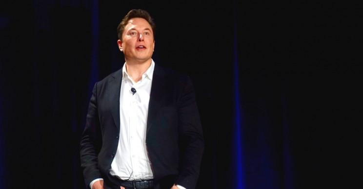 Tesla Hiring Social Media Manager to Defend Elon Musk Online