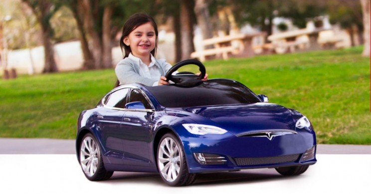 Mini Tesla Model S Will Get Your Kids to Love Electric Cars